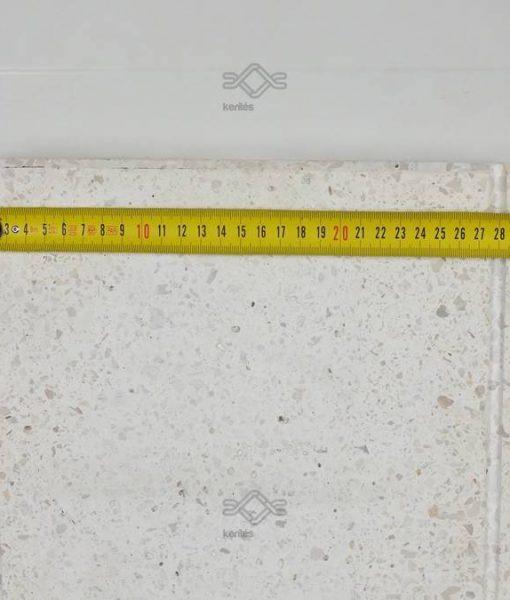 Fehér műkő kerítés fedlap kétoldali lejtéssel 5-7 cm vastag vízorral