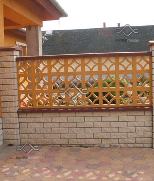 Costa Brava kerítésmezőből falazott utcafronti kerítés