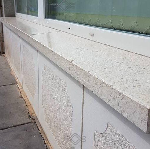 Vasalt műkő kerítés fedlap egyedi méretben, szürke, fehér , vörös ,barna, sárga és antracit színben 5 cm vastagságban